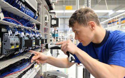 Elektromonteur en hulpmonteur Elektrotechniek m/v